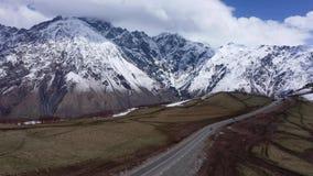 Estrada na região das montanhas de Geórgia video estoque