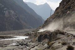 Estrada na região de Annapurna, Nepal da poeira Fotografia de Stock Royalty Free