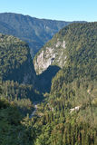 A estrada nas montanhas Imagem de Stock