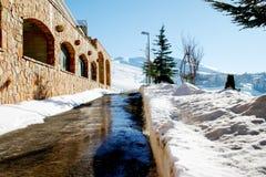 Estrada nevado da montanha Imagens de Stock Royalty Free