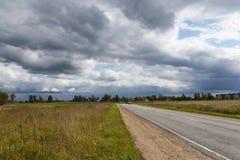 A estrada no campo Imagem de Stock Royalty Free