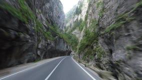 Estrada no desfiladeiro de Bicaz video estoque