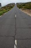 Estrada no dia nebuloso no parque nacional do EL Teide Fotos de Stock