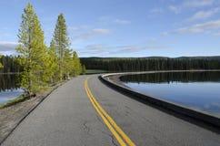 Estrada no lago Yellowstone Fotografia de Stock Royalty Free