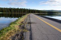 Estrada no lago Yellowstone Imagem de Stock Royalty Free