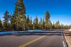 Estrada no parque nacional da garganta de Bruce no inverno foto de stock royalty free