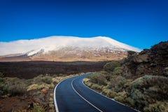 Estrada no parque nacional Tenerife de Teide Imagens de Stock Royalty Free