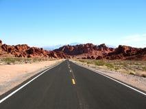 Estrada no vale do incêndio Nevada Imagens de Stock