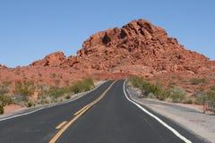 Estrada no vale do incêndio, Nevada imagens de stock royalty free