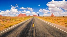 Estrada no vale do monumento Fotografia de Stock
