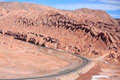 Estrada perto de San Pedro de Atacama (o Chile) Fotografia de Stock