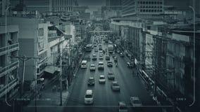 Estrada principal do CCTV através da cidade no país em vias de desenvolvimento video estoque