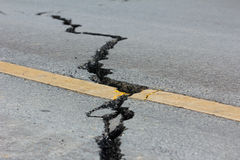 Estrada quebrada por um terremoto em Chiang Rai, Tailândia Fotografia de Stock Royalty Free