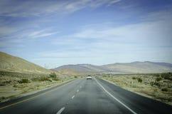 Estrada reta Califórnia do deserto Foto de Stock Royalty Free