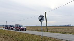 Estrada secundária com limite de velocidade Imagem de Stock