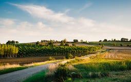 Estrada secundária em Gers, França Fotos de Stock