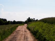 Estrada secundária na vila de Kashubian imagem de stock royalty free