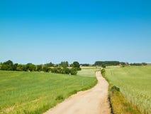 Estrada secundária na vila de Kashubian imagens de stock royalty free