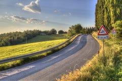 Estrada secundária pavimentada em Toscânia Fotografia de Stock