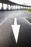Estrada, sentido da seta Fotografia de Stock