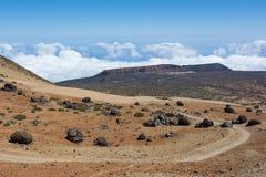 Estrada serpentina na maneira ao refúgio de AltaVista Teide P nacional Fotos de Stock Royalty Free