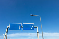 Estrada-sinal direcional Imagem de Stock