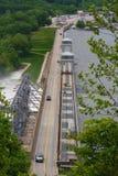 Estrada sobre a represa de Bagnell imagens de stock royalty free