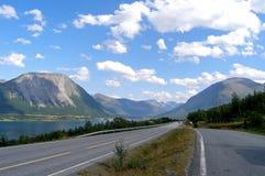 Estrada solitária Fotos de Stock Royalty Free