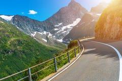 Estrada suíça cênico da montanha Imagens de Stock