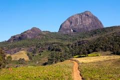 Estrada suja ao basecamp da montanha foto de stock royalty free