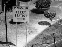 Estrada super de Edsa-Guadalupe na cidade de Makati, metro Manila, Filipinas Imagens de Stock