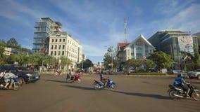 Estrada transversaa bonita em Vientiane, Laos video estoque