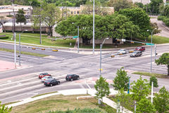 Estrada transversaa na cidade de Dallas imagens de stock royalty free