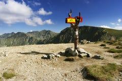 A estrada transversaa nas montanhas Foto de Stock