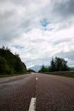 Estrada vazia de Escócia fotografia de stock royalty free
