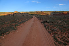 Estrada vermelha do deserto Foto de Stock Royalty Free