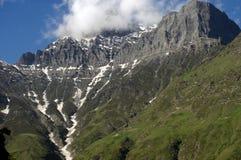 Estradas e árvores da montanha Imagem de Stock Royalty Free