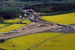 Estradas transversaas da construção   fotos de stock