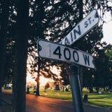 Estradas transversaas no cemitério Fotos de Stock