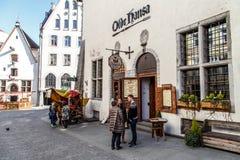Estradas velhas da cidade em Tallinn Fotografia de Stock