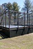 Estradowego paddle tenisowy sąd przy intymnym podmiejskim klubem obrazy stock