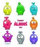 Estrangeiros coloridos dos desenhos animados engraçados ilustração stock