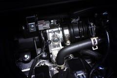 Estrangule o corpo instalado no sistema de motor da peça da gasolina Fotografia de Stock Royalty Free