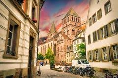 Estrasburgo, Alsacia, Francia La mitad tradicional enmaderó casas de Petite France foto de archivo libre de regalías