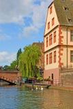 Estrasburgo, Francia con arquitectura colorida fotografía de archivo