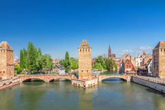 Estrasburgo, puente medieval Ponts Couverts. Foto de archivo