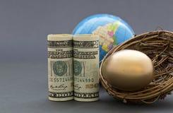 A estratégia global astuciosa constrói um ovo de ninho Fotografia de Stock