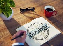 Estrategia de Brainstorming About Business del hombre de negocios Imagen de archivo