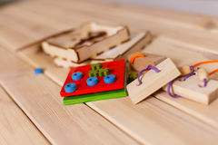 Estratto di legno del blocchetto del gioco con bokeh Immagine Stock Libera da Diritti