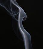 Estratto. Fumo bianco sopra priorità bassa nera Fotografia Stock Libera da Diritti